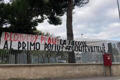 """Anche a Bari la protesta delle """"Mascherine tricolori"""" contro Conte: «Salute al primo posto»"""