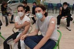 Covid, Puglia pronta a velocizzare la campagna vaccinale per la fascia d'età 12-18 anni