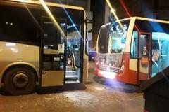 Bari, tamponamento fra due autobus in viale della Repubblica