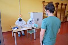 Covid, in Puglia 1021 nuovi positivi: 410 contagi in provincia di Bari