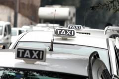 Divieto di ingresso per i taxi nel Policlinico di Bari, utenti confusi