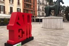 Totem in dialetto nel centro di Bari, ecco che cosa sono