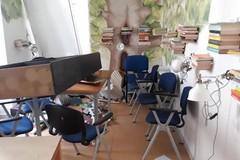 Vandali nel centro minori di Bari vecchia, una raccolta fondi per riparare i danni