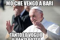 Scorre via social l'ironia sulla visita del Papa a Bari