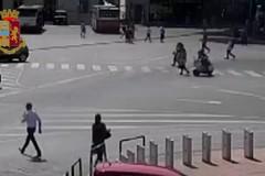 Scippo in piazza Moro. Arrestati due pregiudicati