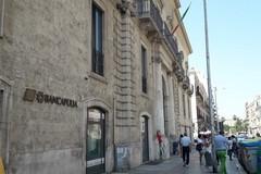 "Pulizie in Banca Apulia, lavoratori ""obbligati"" a firmare"