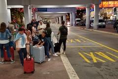 Aeroporto di Bari, Carrieri attacca: «La sera di Ferragosto niente taxi né controlli»