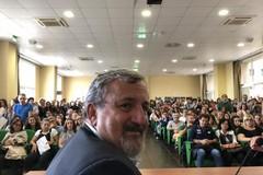 Asl Bari, dal 1 ottobre stabilizzati 274 dipendenti. Emiliano: «Cose positive per la sanità»