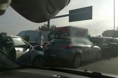 """Incidente in tangenziale ai """"curvoni"""" di Palese. Cinque mezzi coinvolti"""