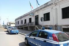 Targhe contraffatte per portare in Albania auto rubate. Due denunce per riciclaggio