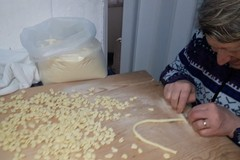 """Le orecchiette di Bari vecchia finiscono sul New York Times, un'inchiesta sul """"crimine della pasta"""""""
