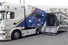 Fa tappa a Bari il tour della Polizia postale per parlare dei pericoli del web