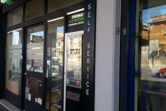 Fiorisce il mercato dell'erba legale a Bari, e c'è anche il distributore automatico