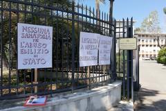La sede del Provveditorato opere pubbliche è abusiva. Il comitato: «No alla sanatoria»