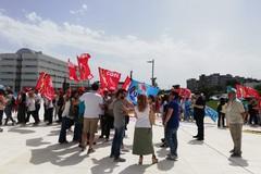 Caso Mercatone Uno, i lavoratori protestano davanti al Consiglio regionale della Puglia