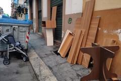 Incivili recidivi al Libertà di Bari, il trasloco finisce in via Dante