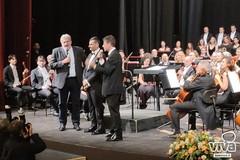 L'inaugurazione del Piccinni a Bari sulle note dell'inno di Mameli