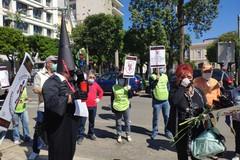 Banca Popolare di Bari, esplode la rabbia dei risparmiatori: «Vogliamo i nostri soldi»