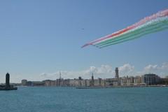 Le Frecce Tricolori anticipano l'esibizione su Bari, tutti delusi