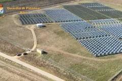 Sigilli a dieci impianti fotovoltaici in Puglia, truffa per 40 milioni di euro