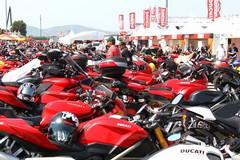 "Weekend a due ruote: raduno moto Ducati e ""Illuminala di bici"""