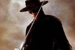 Dov'è Zorro? A Bari in maschera ad accogliere Salvini