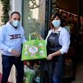 """Santo Spirito, nei negozi arrivano le  """"shopper """" con messaggi di sensibilizzazione ambientale"""