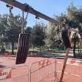 Bari, altalena vandalizzata a Poggiofranco