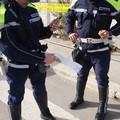 Contraffazione, scoperte 58 borse con marchi falsi durante un'operazione anti-abusivismo
