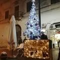 Binetto, i materiali di recupero diventano gli addobbi natalizi in piazza
