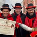 """Carnevale di Putignano, il  """"gran cornuto """" 2020 è Uccio De Santis"""