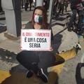 A Bari scendono in piazza i lavoratori di spettacolo e cultura, i sindacati: «Sostegno subito»