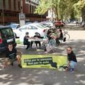 """""""ParkingDay """" a Bari, Greenpeace trasforma un parcheggio in area gioco"""