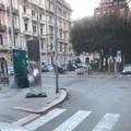 Il misterioso monolite in acciaio spunta anche in centro a Bari