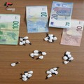Nasconde 31 dosi di cocaina nel reggiseno: arrestata 45enne in provincia di Bari