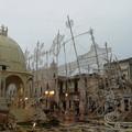Adelfia, le luminarie di San Trifone crollano per il vento di burrasca