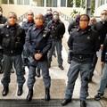 Covid-19, i poliziotti di Bari donano generi alimentari in beneficenza