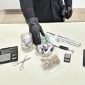 Putignano, nascondeva la droga sotto la leva del cambio. Arrestato 38enne