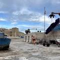 Bari, rimosse quattro barche abbandonate dal molo San Nicola