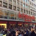Eventi in Feltrinelli creano disagi in centro, Palone: «Gestire meglio l'organizzazione»