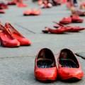 Bari, sticker contro la violenza sulle donne nei negozi