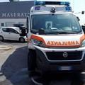 Incidente in via Amendola, tre feriti e traffico in tilt