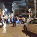Carbonara di Bari, auto incastrata tra i binari