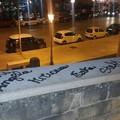 Vandali in azione sulla muraglia a Bari