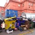 Immondizia e Bif&st, i due volti di Bari