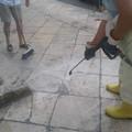 Bari, pulizia straordinaria. Via lo sporco dal sagrato della Cattedrale