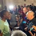 Bari, mons. Cacucci incontra i braccianti a San Nicola: «Dignità umana va difesa»
