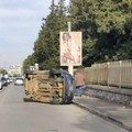 Bari, incidente a Santa Fara auto si ribalta