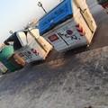 Bari, il pietoso stato dei cassonetti in largo Adua