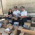 Sequestrate oltre 14.000 paia di scarpe contraffatte